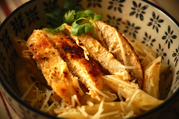 Chicken with Alfredo Penne Pasta